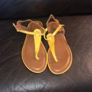 Brown sandal size 7